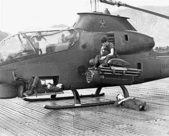 hélicoptères  Fosrt-235-Waiting-549x442