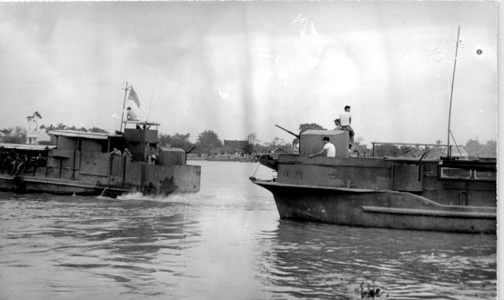 http://www.cantho-rvn.org/town/images/payette-30-River-Boats-Can-Tho-1965-554x330.jpg